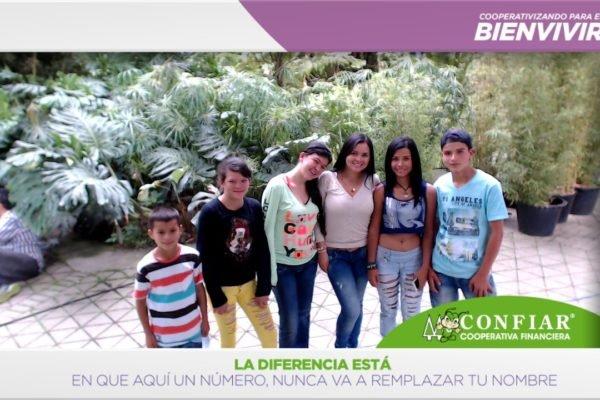 foto-bazar-de-la-confianza-2016-216